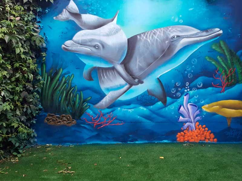 Mural graffiti en piscina